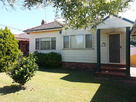 House - 33 Lawson Street, S...