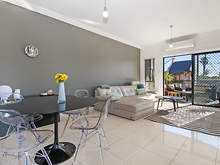 Apartment - 25/50  Taylor S...