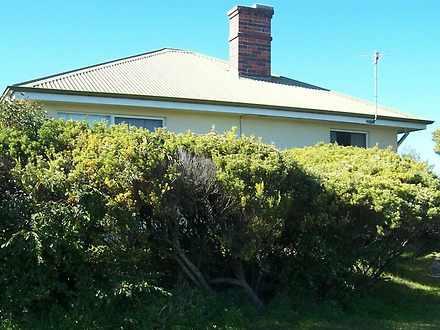 House - 17 Lagoon Beach Roa...