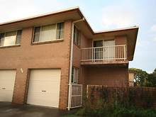 Townhouse - 2/186 Winton La...