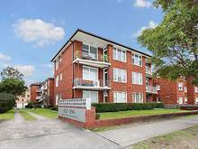 Apartment - 2/166 Chuter Av...
