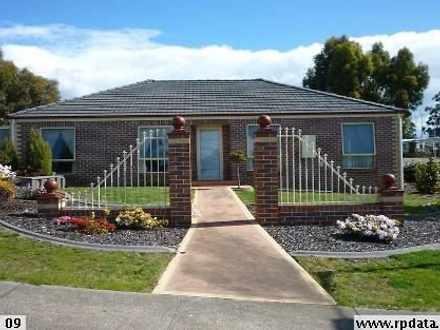 House - 1 Gatenby Drive, De...