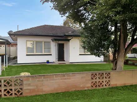 House - 2 Britton Avenue, T...