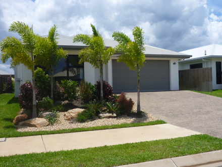 House - 14 Sandridge Way, T...