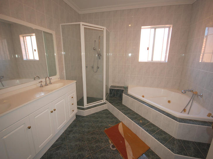 Baldry  bath 1474256960 primary