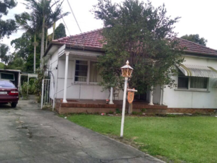 House - 9 Crawford Avenue, ...