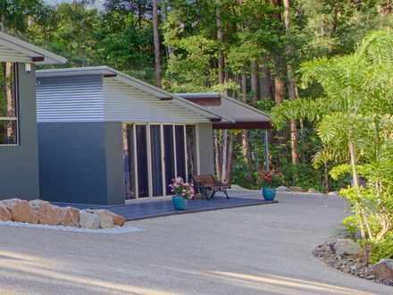 House - 4 Figbird Crt, Lake...