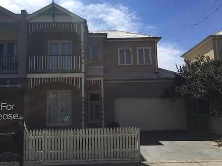 House - 10 Hammerwood Green...