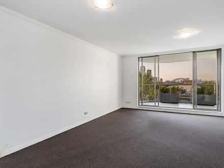 Apartment - 200 William Str...