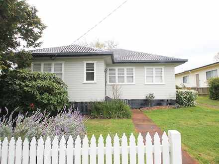 House - 39 Drummond Street,...