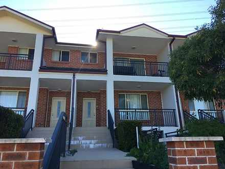Townhouse - 2/13 Dobson Cre...