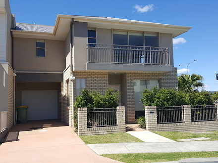 Townhouse - 30 Emily Way, V...