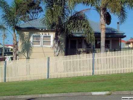 House - 2 Redrose Avenue, B...