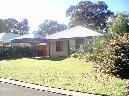 House - 11 Village Green, M...