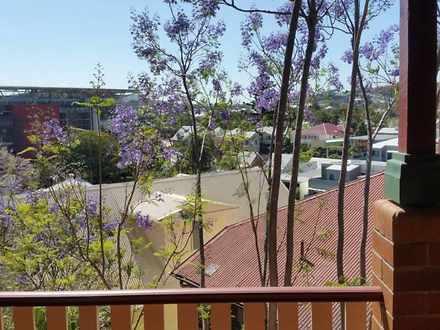 House - 2/32 Petrie Terrace...