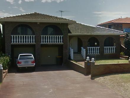 House - 9 Kookaburra Street...