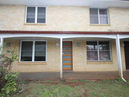 House - 4/11 Phillip Street...
