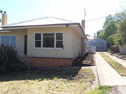 House - 11 Treasure Street,...