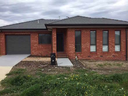 Unit - Wallan 3756, VIC