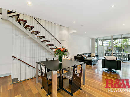 Townhouse - 20 Nassau Lane,...