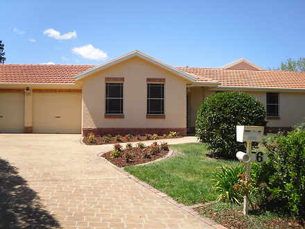 House - 6 Chip Chase, Bowra...