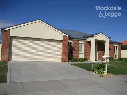 House - 96 Ellavale Drive, ...