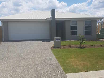 House - 33 Huntingdale Stre...