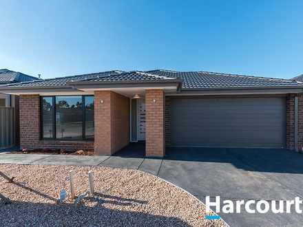 House - 9 Spencer Circuit, ...