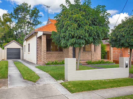House - 18 Gracemere Street...