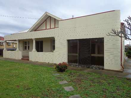 House - 90 Frogmore Road, K...