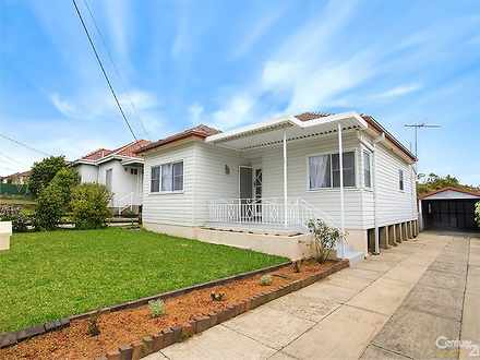 House - 105 Georges River R...