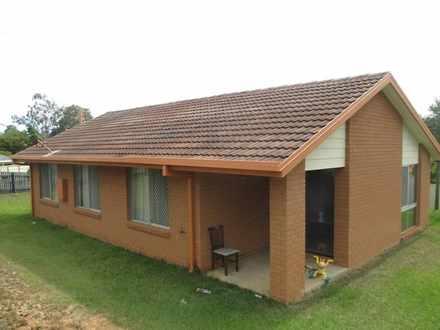 House - 7 Macquarie Drive, ...