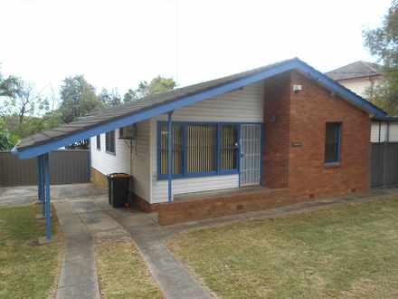 House - 89 Ellsworth Drive,...