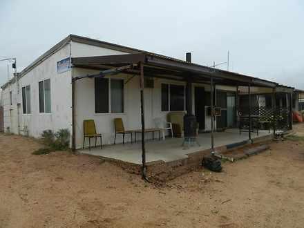 House - 5 Gordon Court, Bla...