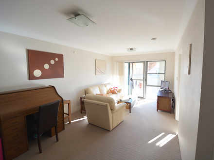 Unit - 13/20-26 Addison Str...