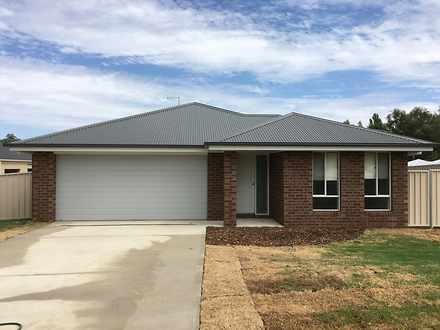 House - 19 Bevington Bend, ...