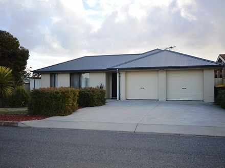 House - 2 Kwinana Crescent,...