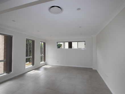 House - Fairfield West 2165...