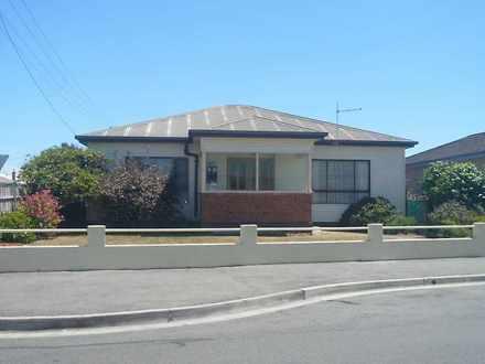 House - 10 Button Street, M...