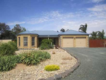 House - 8 Tasman Court, Ech...