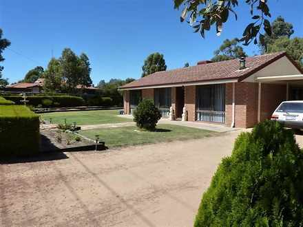 House - 16 Greenstone Way, ...