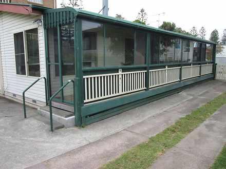 House - 4 Beach Street, Tur...