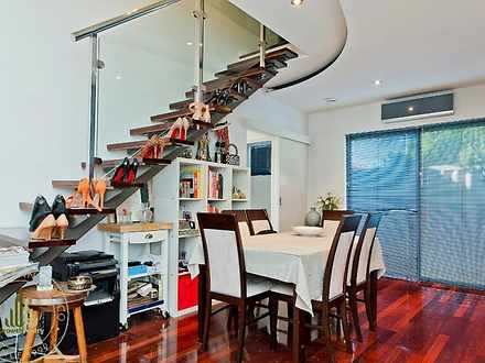 Townhouse - 5/301 Oxford St...