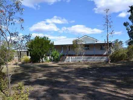 House - 8 Old Nanango Road,...