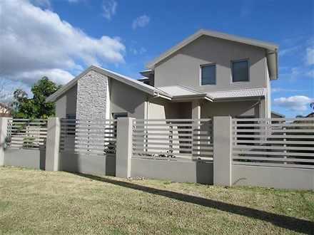 House - UNIT 1/9 Surrey Roa...