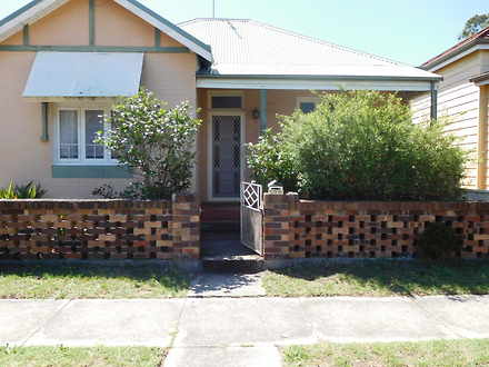 House - 77 Estell Street, M...