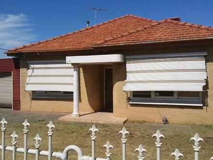 House - 60 Gladstone Road, ...