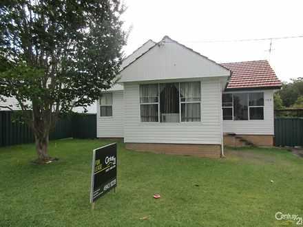 House - 102 Jubilee Road, E...