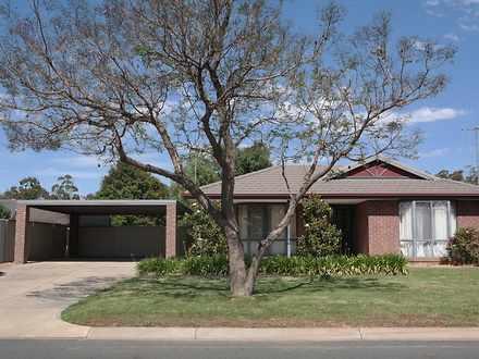 House - 5 Glencoe Boulevard...