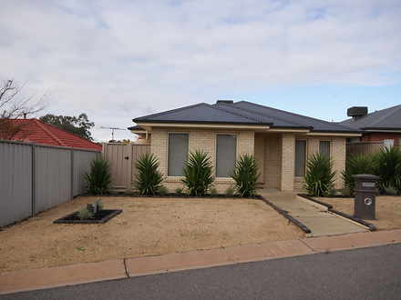 House - 7 Stringybark Court...